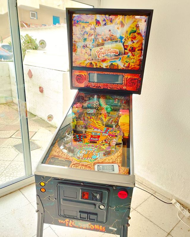 Last technology of entertainment #pinball #retrogaming #retrogame #arcade #arcadegames #flipper #flintstones #poweroff #memories #tbt #extraball #ball #topscore #vintage #cyprus