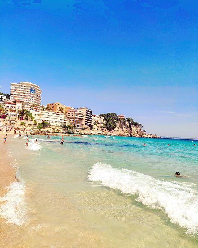 Full of june mood •••#palmademallorca #balearicislands#beach #sand #sailor #cruising #cruise #crew #sailing #travel #traveling #traveler #instatravel #instapassport #instatraveling #travelgram #travelingram #igtravel #travelblog #sea #travelstoke