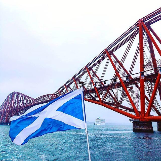 My farewell journey to Scotland •••#edinburgh #scotland #flag #bridge #cloudscruising #cruise #crew #sailing #sailor #lifeatsea #travel #travelling #traveler #instatravel #trip #lifeofadventure #instapassport #instatraveling #mytravelgram #travelgram #travelingram #igtravel #instalife #ig_worldphoto #traveling #travelblog #instago #travelstoke