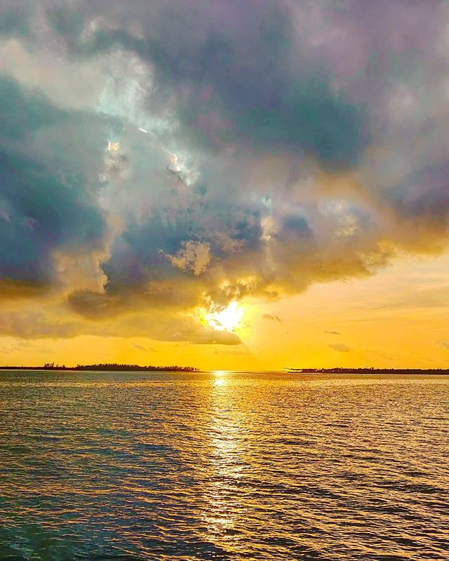 The sun shines behind the clouds ️😎 #bahamas #cloudstagram #sea #seaside #travellife #sunsets #traveladdict #travelholic #instaclouds #travel #travelphotography #seascape #sunset #sunsetlover #travelgram #traveling  #travelling #sun #travelawesome #clouds #traveller #travelstoke #traveler #cloudscape