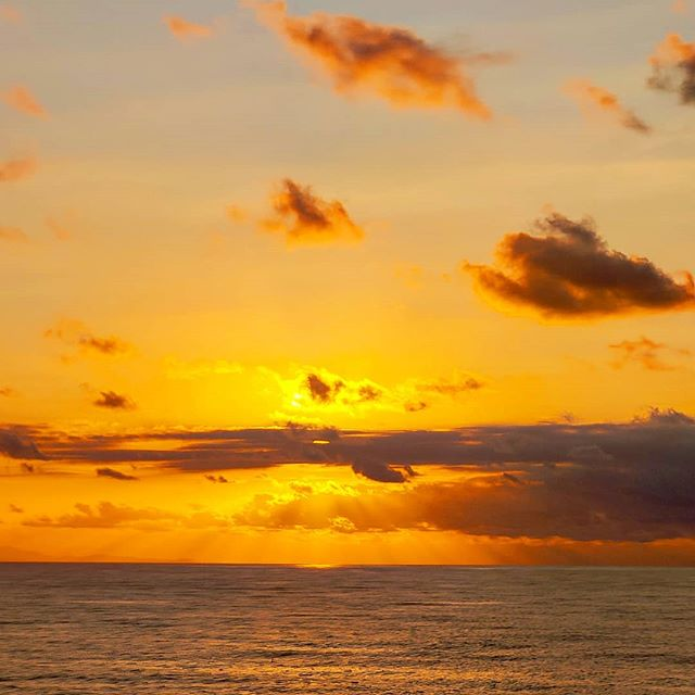 Live at sea, good vibes 🤙️ #crew #crewlife #lifeatsea #traveler #travelblog #cloud #sailor #travel #travelphotography #travelingram #travelling #travelblogger #traveladdict #sunsets #cloudy #sea #travelgram #sunset #travellife #traveling #travelstoke #prilaga #travelawesome #clouds #travelers #sunset_madness