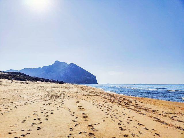 Beach walk 🤙 #sabaudia #igersitalia #igerlatina #sunnyday #travelphoto #travel #seaview #beachtime #beachvibes #travelling #beachlife #travelblog #traveling #travelstoke #traveller #sea #sunny #traveltheworld #seaside #sealife #travelingram #sand #beach #seascape #travellife #traveler #traveladdict #travelgram #travelphotography #beachday