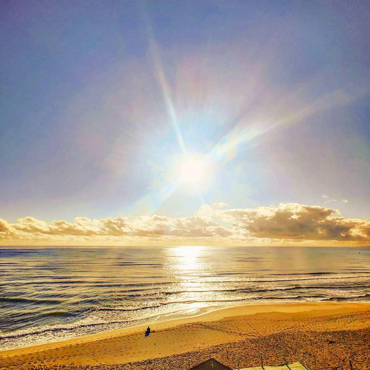 The bright light of the sun after the rain 🔆🤙#sabaudia #sunglare #gold #traveler #beachlife #travellife #travelblog #beach #travelholic #travelphotography #traveling #spiaggia #clouds #travelingram #travel #seaside #travelgram #travelphoto #travels #traveller #traveladdict #sunny #travelstoke #mare #sole