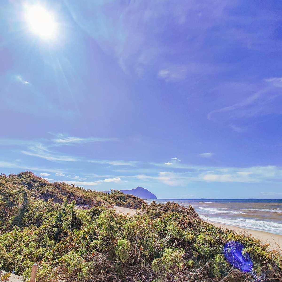 Sun therapy ️😎🤙#sabaudia #italy #Italia #mare #spiaggia #beachday #sunshine #traveling #sunset #travelphotography #travelblog #beachlife #travelgram #travelling #seascape #traveltheworld #sea #travel #traveller #beach #sunny #sun #seaside #sunnyday