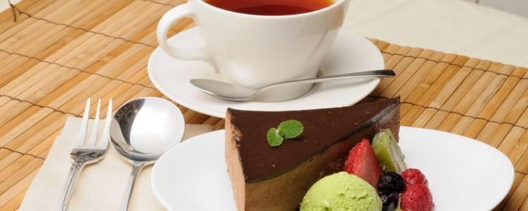 しっとり柔らかく、濃厚な甘みの『生チョコレートのケーキ』。
