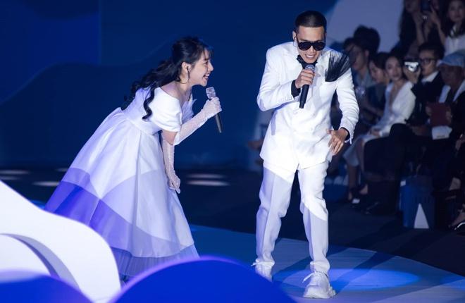 Wowy và JoliPoli trình diễn ca khúc Thiên Đường