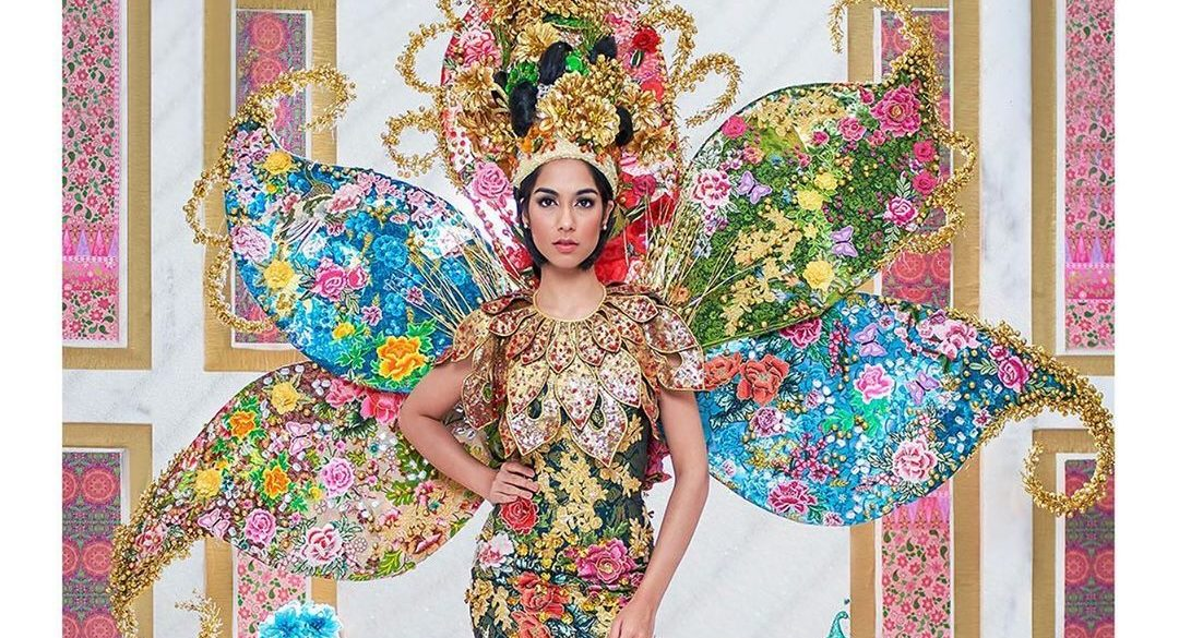 Miss Malaysia Universe goes Peranakan with her National Costume – we love it!