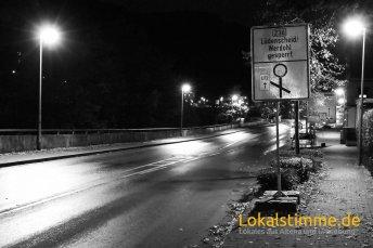 Aus Werdohl kommend ist die Beschilderung ein wenig verwirrend. Der Verkehr in Richtung Lüdenscheid muss nicht über die Lenneuferstraße fahren, sondern kann normal über die Pott-Jost-Brücke in Richtung Lüdenscheid abbiegen.