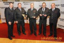 Friedhelm Rahmer, Horst Scholz und Frank Rohrsen von der LG Evingsen wurden für ihre 40-jährige Mitgliedschaft in der Feuerwehr Altena geehrt.