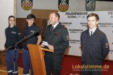 Der Leiter der Kinder und Jugendfeuerwehr Kai Spelsberg dankte Jana Gluth, Jan Niklas Schäfer und Jordan Krüger für ihre Hilfe bei den Diensten.