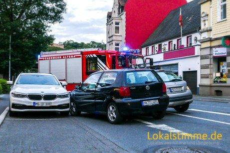 ls_verkehrsunfall-altena-bahnhofstraße_190608_03
