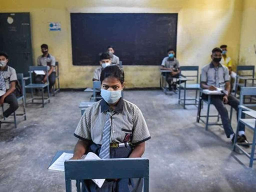 UP news: योगी सरकार का दावा- 'ऑपरेशन कायाकल्प' से बदली सरकारी स्कूलों की तस्वीर, एक लाख से ज्यादा बच्चों ने लिखाया नाम