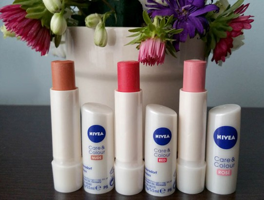 NIVEA Care&Colour, balsamuri de buze colorate