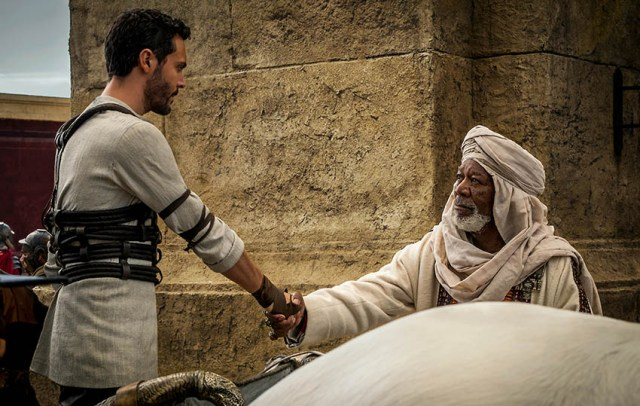 Judah Ben-Hur (Jack Huston) & Ilderim (Morgan Freeman)