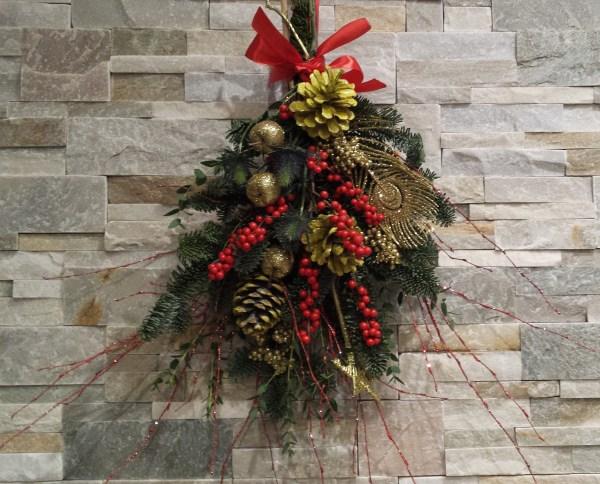 Couronne de fleurs de Noël