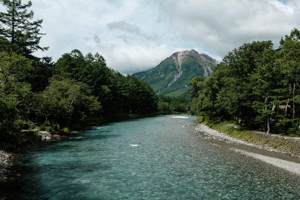 Sentier de Kamikochi - vue sur le Mont Yake Dake