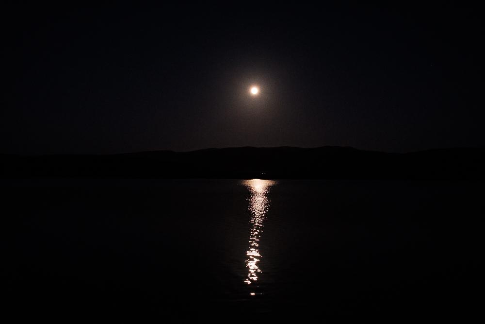 Pleine lune au Lac Mareatai
