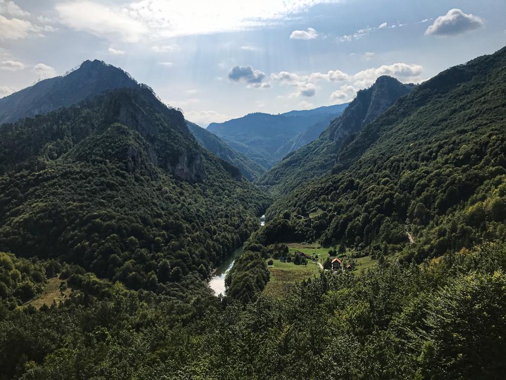 Vue du pont de Djurdjevica