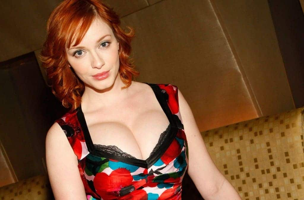 20 Hot Celebs Whove Never Needed Breast Implants Page 3