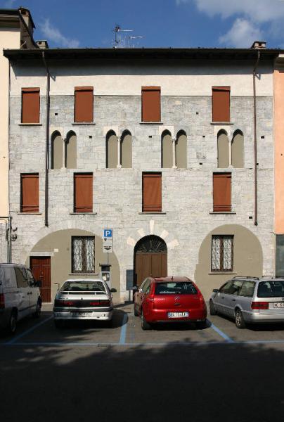 Casa Pelfini Binda Piazza Roma 41P42  Como CO