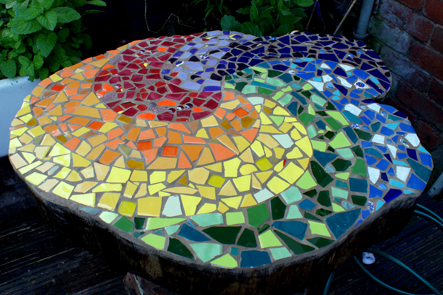 mosaic tree stump  httplometscom