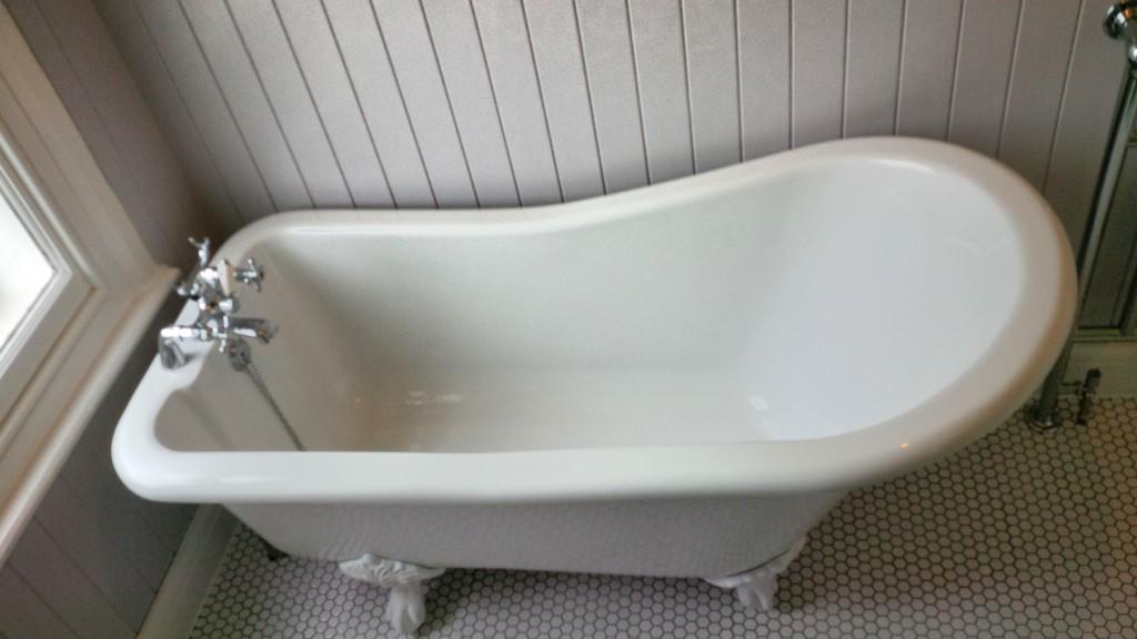 Small roll top slipper bath  London bathrooms