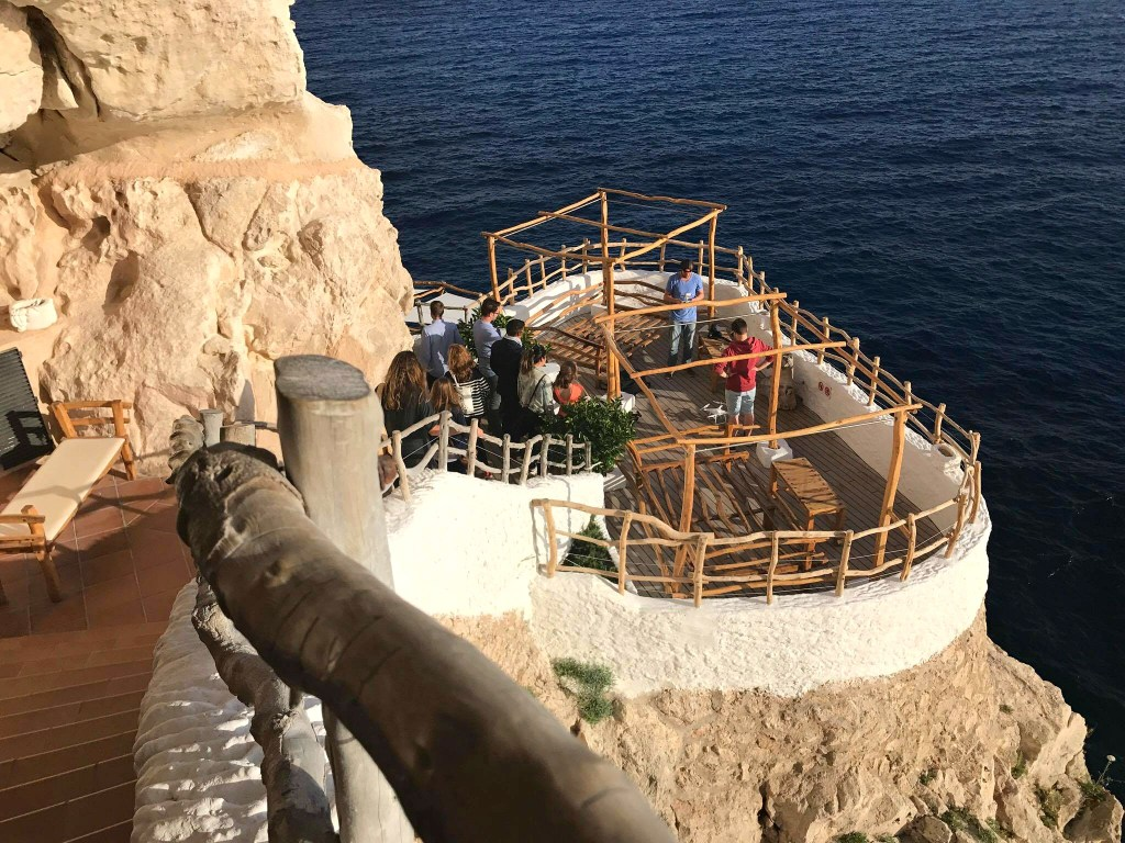 Menorca bars, Cova d'en Xoroi