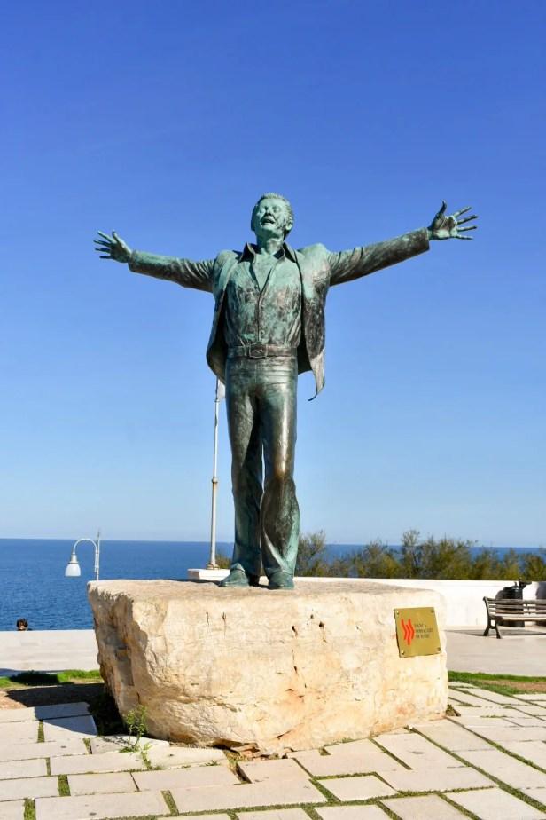 Statue Poligano a Mare