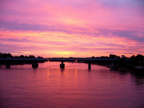 sunrise-on-the-thames