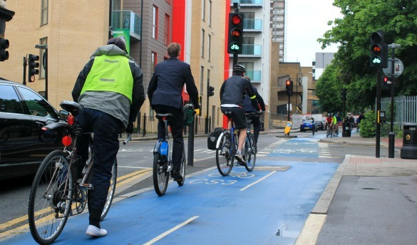 Cyclists at Cycle Superhighway 3