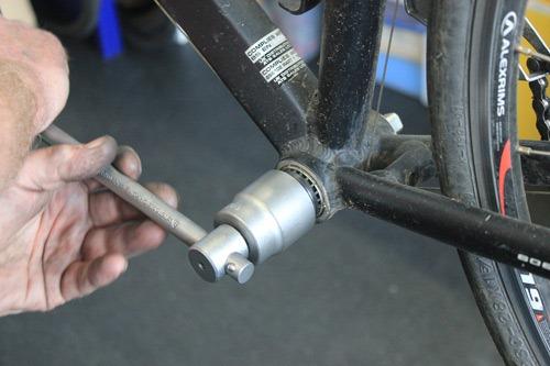 Remove bottom bracket