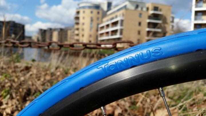 Tannus Tire