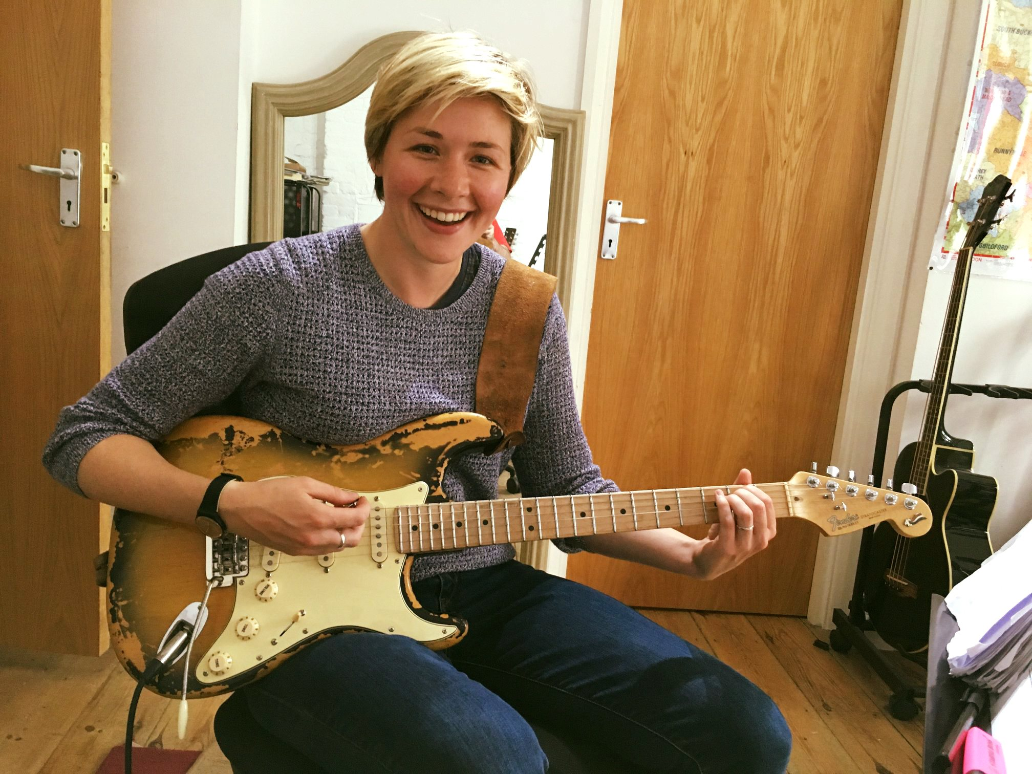 Take guitar Lessons in London
