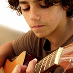 GUITAR LESSONS FOR KIDS LONDON-GUITAR LESSONS FOR CHILDREN IN QUEENS PARK NW6