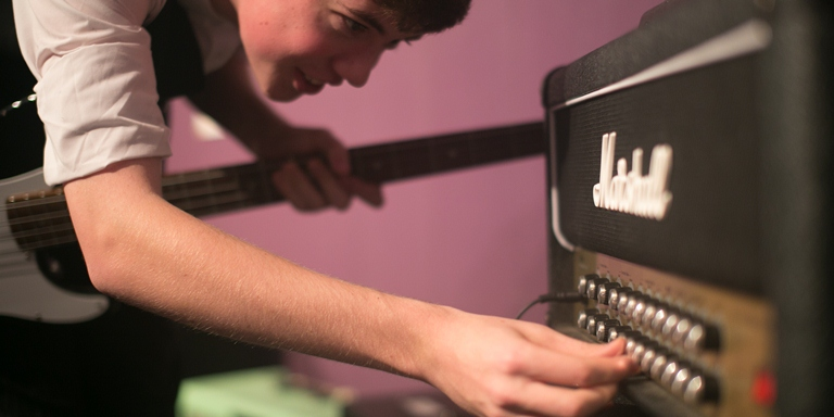 Expert guitar lessons in London Chalk Farm,Hampstead,Swiss Cottage,Maida Vale,Primrose Hill,Central London