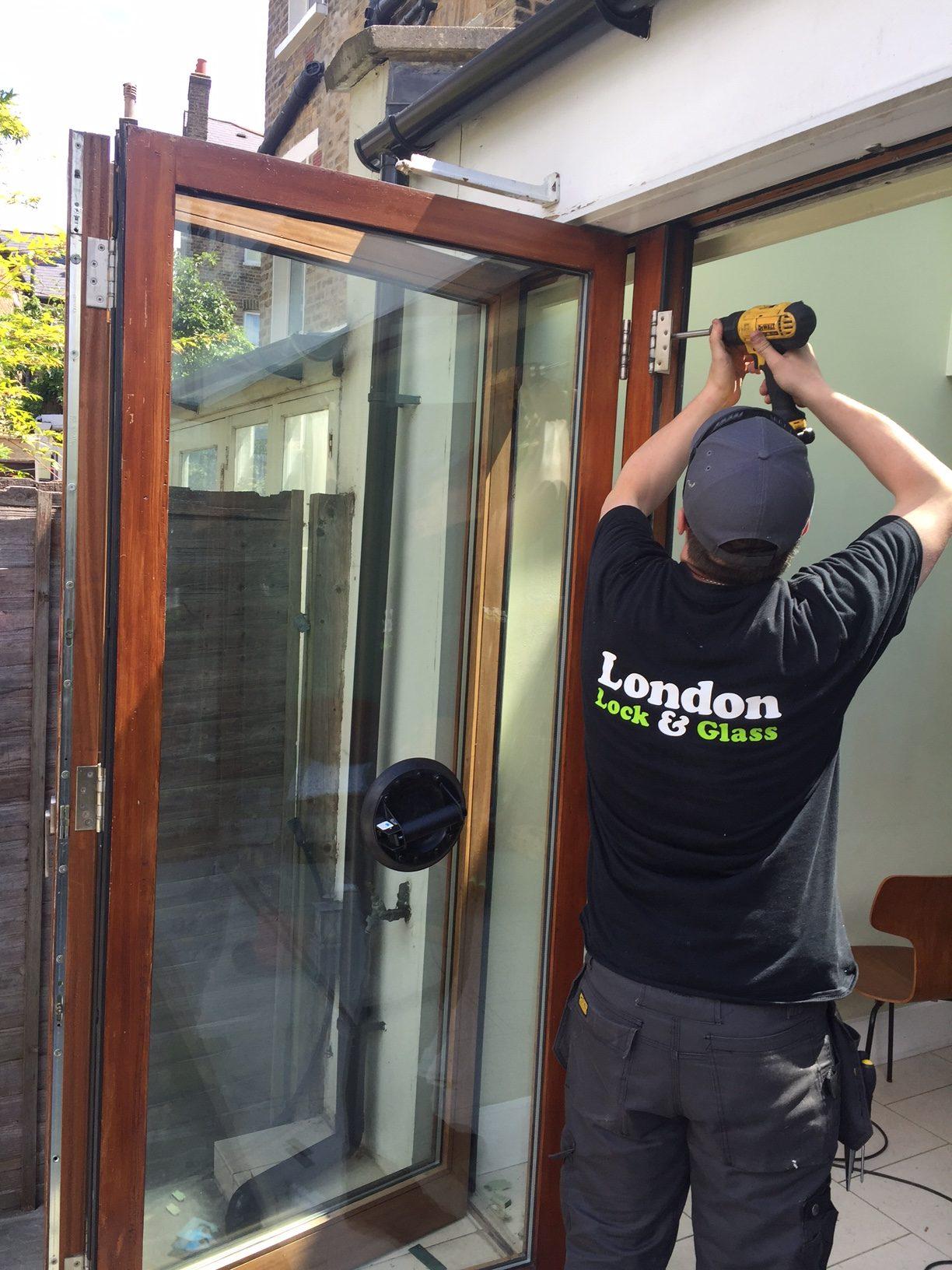 door repairs ealing