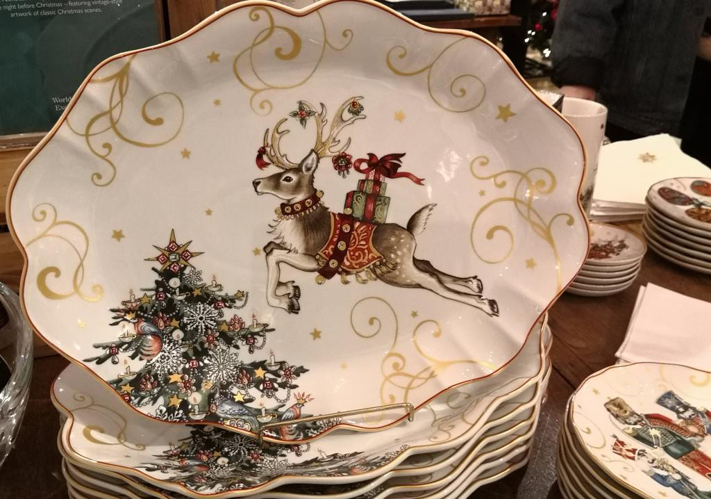 Beautiful festive plates.