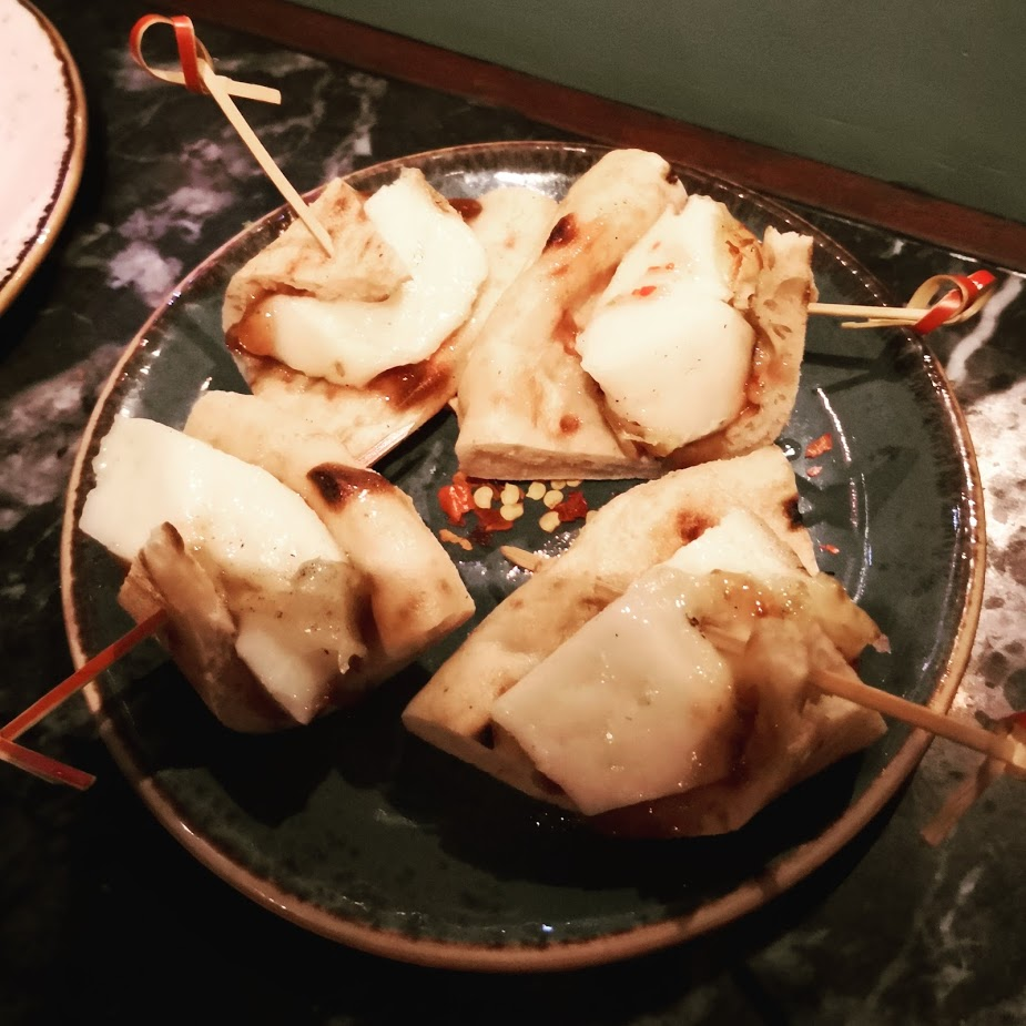 Suvlaki Mastelo Cheese and fig