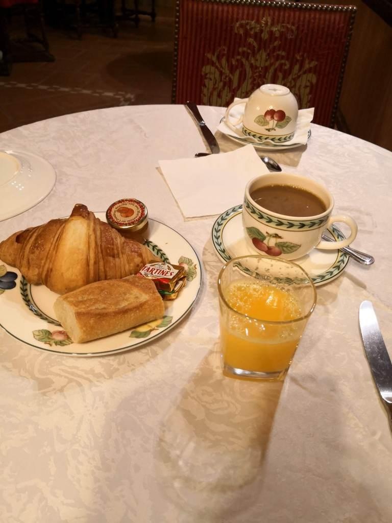Hotel de la Bretonnerie breakfast