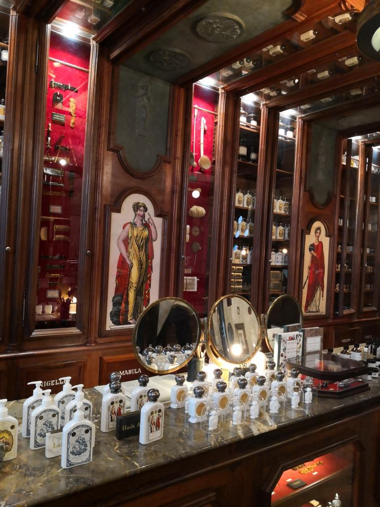 Ther perfumery side of grand cafe tortoni