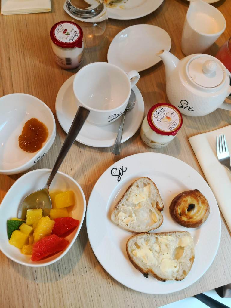 Breakfast at Hotel Le Six