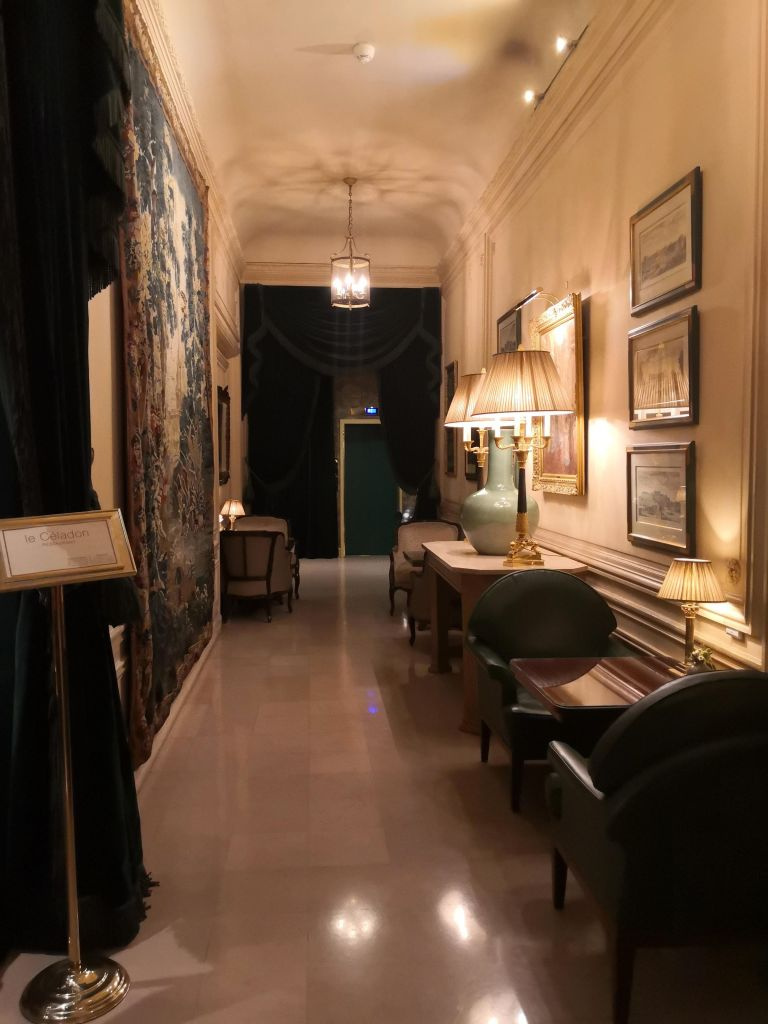 the hall leading to the Dukes Bar and Le Celadon restaurant