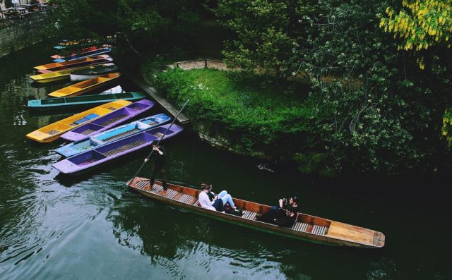 weekend trips from London punting in oxford