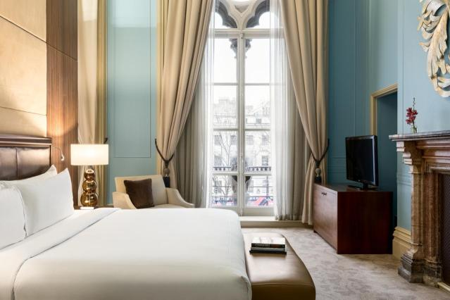 Hotel room at St Pancras Renaissance Hotel for London Staycation