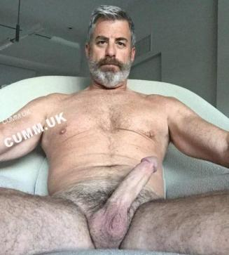 mature daddy full-blown-beauty-silver-daddy-huge-cock-mature