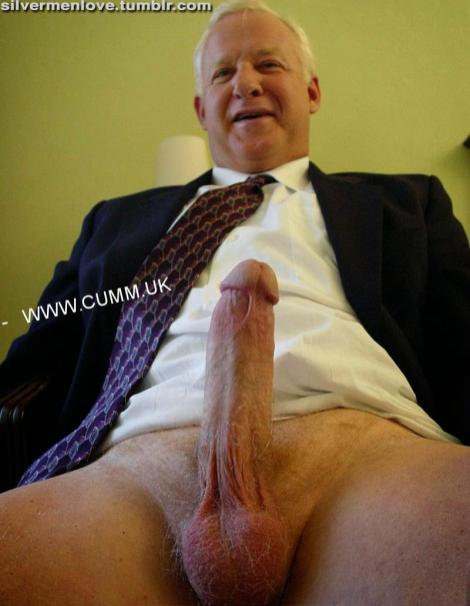 dilf mature hung hungry for rugger lads cock mature-hung-yu7