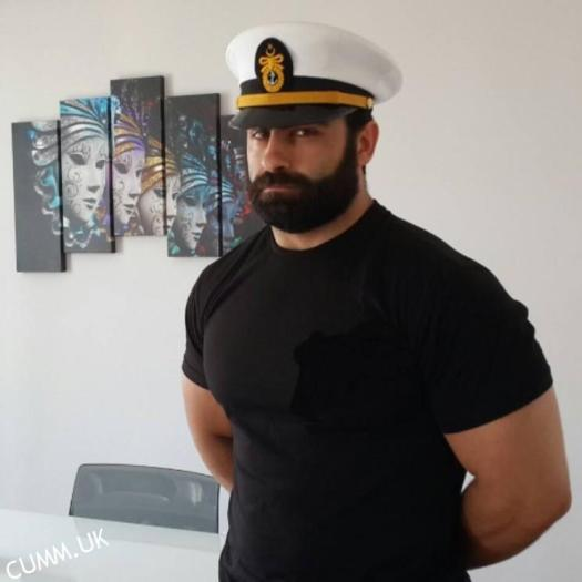 cumm uk the-man-with-the-sexy-eyes-sailor
