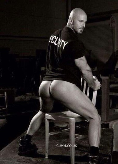 big muscle secutity guard arse exposed