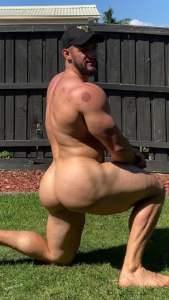 Nude Gluteus Maximus muscular ass ted