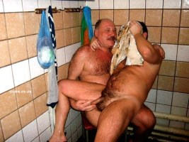 over-50-naked-sportsmen-lockerroom